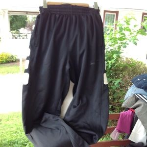 Boys Nike Therma Fit Pants.